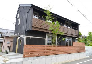 掛川市弥生町の家。