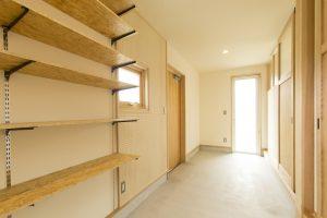 シンプルな木造ドミノ住宅